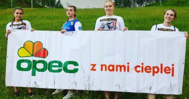 Żaneta i Paulina Stenka oraz Zuzanna Kalbarczyk zdobywają Puchar Polski w kickboxingu