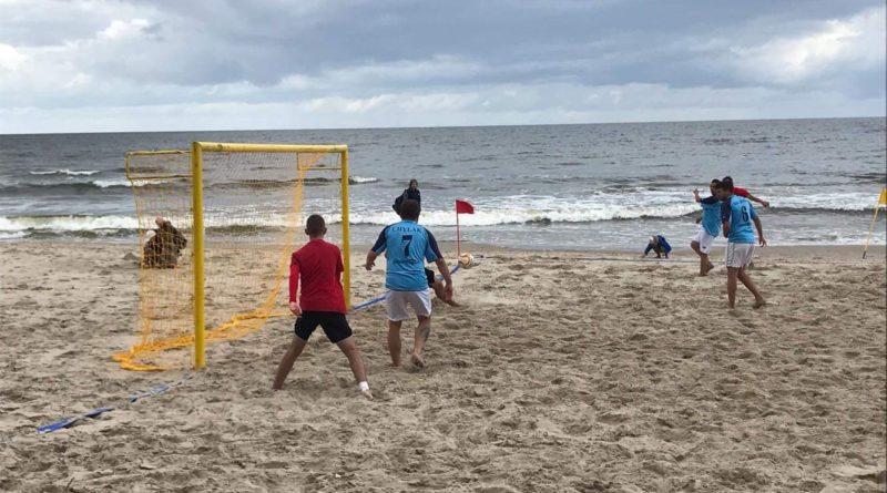 Juniorzy GOSRiT Luzino zagrali w Turnieju Beach Soccer