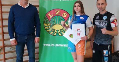 Zuzanna Kalbarczyk i Rafał Karcz nagrodzeni przez Pomorski LZS