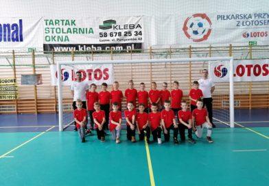"""Na hali GOSRiT w ferie, """"Weekend z piłką"""", mieli młodzi zawodnicy Akademii Piłkarskiej Karola Piątka"""