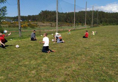 KTS-K i GOSRiT Luzino wznowili zajęcia sportowe dla dzieci na boiskach sołeckich